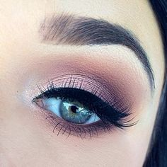 Using the Anastasia Beverly Hills lavish palette on the eyes