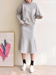 겨울에도 편한 옷이 최고! 기모 맨투맨, 스커트 세트💕 위아래가 이 가격!!  향기옷장을 검색하세요~! http://naver.me/5C9GdJ1j  #향기옷장 #기모 #기모맨투맨 #기모티셔츠 #기모치마 #기모스커트 #기모세트 #겨울신상 #오오티디 #겨울세트 #데일리룩 #일상복