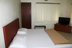 We have a select range of best in class service apartments in Anna Nagar Chennai. Situated in the north-western part of Chennai, the locality is named after the Tamil leader C.N .Annadurai. Anna Nagar is a part of Aminjikarai Taluk and Anna Nagar Zone. It is one of the most prime residential areas of Chennai. Pajasa Service Apartments have an elaborate range of service apartments in cities. For more, visit:http://www.pajasaapartments.co.in/property/service-apartments-in-anna-nagar-chennai/