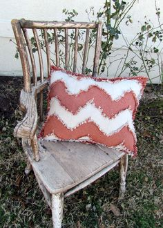 Super Easy Shabby Chevron Pillow pattern/tutorial from Jubilee Fabric