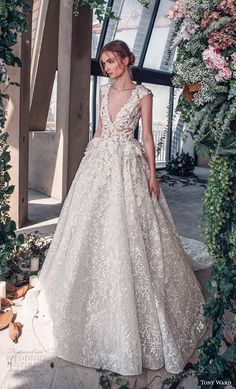 "bc38257c9f3 Tony Ward La Mariée Spring 2019 Wedding Dresses — ""Roman Romance"" Bridal  Collection"