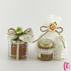 candy for wedding favors Wedding Favour Jars, Honey Wedding Favors, Wedding Gifts For Guests, Wedding Favora, Wedding Beauty, Rustic Wedding, Flower Box Gift, Jar Design, Jar Gifts
