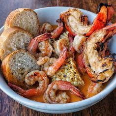 📍@killershrimp . ‼️GIVEAWAY ALERT‼️ Showcasing the Killer Shrimp & Lobster in their famous spicy broth. 🍤🌶️️🍤How about a chance to win a gift card to try this dish, or one of the 13 Seafood Festival dishes that may potentially be added to the regular menu? I'll randomly be picking out 5 winners by March 15 for a $15 gift card, to be able to dine in either Marina del Rey, or the Hermosa Beach location! Just a few rules: 1) follow @