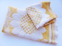 Vintage Hand Towel And Wash Cloth St Mary's Gold And by OldLikeUs