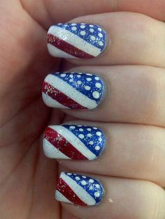 Image via Red, White And Cool Ideas For Your of July Nails Image via of July toe nail designs Image via Even More Inspiration For Your July 4 Nail Art Image via Ma Fancy Nails, Love Nails, Diy Nails, Pretty Nails, Style Nails, Do It Yourself Nails, Patriotic Nails, Manicure E Pedicure, Accent Nails