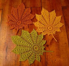 Set of 3 crochet leaf doilies - autumn decoration in green, yellow and brown