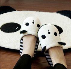 Panda plush winter slippers so cute! Winter Slippers, Cute Slippers, Bear Slippers, Soft Slippers, Looks Kawaii, Cinderella Shoes, Kawaii Plush, Cute Panda, Dream Shoes