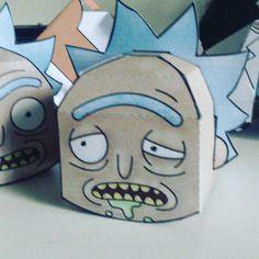 Rick and Morty paper toy progress #papertoys #papercraft #rickandmorty #fanart #rick #graphicdesign #packagingdesign #drawing #adultswim #illustration #3D #FUT