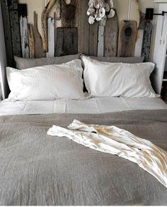 Sänggavel av drivved!
