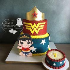 One-der woman - cake by Sweet Traditions First Birthday Cakes, Birthday Cake Girls, Girl Superhero Cake, Easy Minecraft Cake, Fantasy Cake, Batman Cakes, Birthday Cake Decorating, Specialty Cakes, Gorgeous Cakes