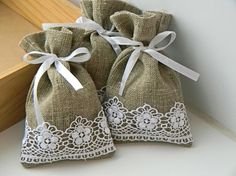 such simple but appealing little bags to make :)