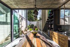 Naked House  / Taller Estilo Arquitectura | ArchDaily