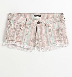I WANT THESE SHORTS. but they didn't have any of my size o_o