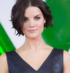 Jaimie Alexander pictures and photos Jaimie Alexander, Jamie Alexander Hair, Short Wavy Hairstyles For Women, Short Hair Cuts, Cool Hairstyles, Short Hair Styles, Haircut Pictures, Celebrity Haircuts, Brown Hair With Blonde Highlights