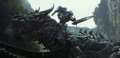Durante o Kids' Choice Movie Awards de 2014, alguns comerciais exclusivos de novas produções de 2014 foram exibidos. Entre eles, um sensacional vídeo de 30 segundos de Transformers: Era de Extinção. Segure-se na cadeira e prepare-se para perder o fôlego. Sinopse do filme:Ambientado após os eventos de Transformers: O Lado Oculto da Lua, Transformers: A …