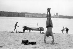 How to Build the Ability to Do a Full Handstand | The Art of Manliness