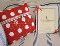 Cuscino e cornice in stile natalizio