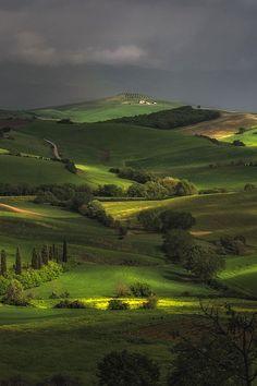 Тоскана, Италия  #Тоскана #Италия #среда #природа #пейзажи #региона #холмы #зелень