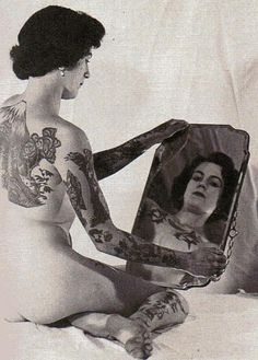 vintage everyday: 39 Astonishing Vintage Portrait Photos of Tattooed Ladies From the Late and Early Centuries Old Tattoos, Sexy Tattoos, Girl Tattoos, Tattoos For Women, Tatoos, Vintage Tattoos, Tattooed Women, Retro Tattoos, Tattoo People