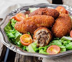 Potato and Rice Kibbeh Recipe Kibbeh Recipe, Albondigas, Arabic Food, Calories, Cookbook Recipes, Mediterranean Recipes, Tandoori Chicken, Salmon Burgers, Food Inspiration