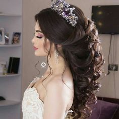 15 Lavish Wedding Hairstyle Ideas You Can Copy - Fashiotopia Gorgeous Wedding Hairstyle With Crown 1 Wedding Hairstyles With Crown, Indian Bridal Hairstyles, Bride Hairstyles, Hairstyle Ideas, Gorgeous Hairstyles, Office Hairstyles, Hairstyle Wedding, Stylish Hairstyles, Hairstyle Short