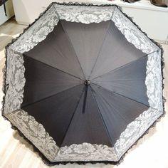 Ladies Schirm mit Glitzer und Spitze, Automatik Windsicher! (1 Jahr Garantie auf Schirmgestänge) Preis: € 34,90 erhältlich bei Kirsches Taschen und mehr...! in Bad Vöslau Bad Vöslau, Umbrellas, Dime Bags
