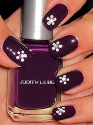 purple nail with flower