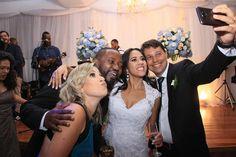 Não importa quanto tempo tem uma amizade pois se for verdadeira será eterna e com o tempo perderá a conta aos anos. #foto #fotografia #casamento #casal #fotodecasal #noivos #lindocasal #cerionia #noivas #felicidade #amor #carinho #sonho #familia #rj #brasil #união #gratidãoaDeus #festa  #revelandoseumomento #damattafotografia