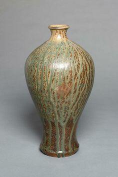 Shimaoka Tatsuzo, a jar with ash glaze and inlay