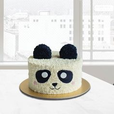 Bolo Panda +de 50 Ideias Super Fofas e Divertidas #BoloPanda #Bolo #Panda #PandaCake Bolo Panda, 1st Birthday Photoshoot, Cata, Toy Story, Lily, Panda Birthday, Cake Ideas, 10 Years, Cake Toppers
