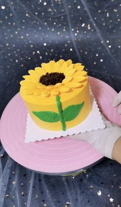 Cake Decorating Frosting, Cake Decorating Designs, Cake Decorating Techniques, Cake Decorating Tutorials, Cake Designs, Mini Cakes, Cupcake Cakes, Cake Icing Techniques, Unique Birthday Cakes