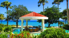 Magnificent oceanfront villa in superb location - Luxury Caribbean Homes