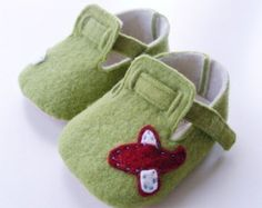 no 033 Riley Felt Baby Booties PDF Pattern by sewingwithme4