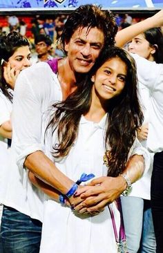 Shah Rukh and Suhana Khan - 'It still hasn't sunk in to be Champions again. Thank u my KKR for making us soooo happy. pic.twitter.com/424fx7YhWk'