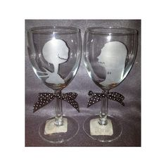 Jack And Sally Nightmare Before Christmas Inspired Etched Wine Glass... ($16) ❤ liked on Polyvore featuring home, kitchen & dining, drinkware, glass drinkware, christmas drinkware and wine glass set
