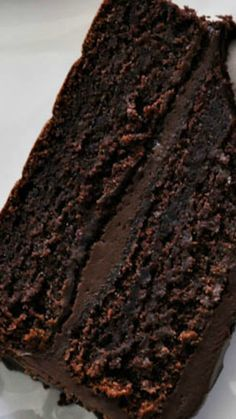 Wellesley Fudge Cake Recipe ~ A chocolate cake with 'fudgy' chocolate frosting... The silky smooth frosting is perfect spreading consistency