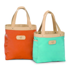 Want want want a Jon Hart bag...friend at work has one and it is SO cute