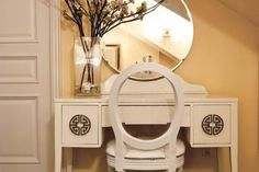 Quintessential Dressing Table - Eclectic - Bedroom - Toronto - Lucid Interior Design Inc. Teenage Girl Bedroom Designs, Teenage Girl Bedrooms, Girls Bedroom, Asian Bedroom, Diy Design, Decor Interior Design, Design Ideas, Bedroom Vanity Set, Bedroom Desk