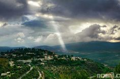 Noam Chen's captured this beautiful shot of a ray of light over the Galilee Mountains, Israel.A Land that the Lord, Your God, Seeks Out Noam Chen's captured this beautiful shot of a ray of light over the Galilee Mountains, Israel. Places Around The World, Around The Worlds, Breaking Israel News, Kings Of Israel, Tens Place, Beautiful Places, Beautiful Pictures, Visit Israel, Gods Creation