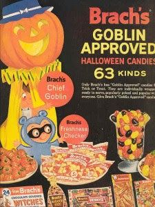 """Dying for Chocolate: Halloween Vintage Candy Ads. I never in my life got Brach""""s candy while trick or treating! Vintage Halloween Images, Retro Halloween, Vintage Halloween Decorations, Halloween Items, Halloween Trick Or Treat, Spirit Halloween, Holidays Halloween, Spooky Halloween, Happy Halloween"""