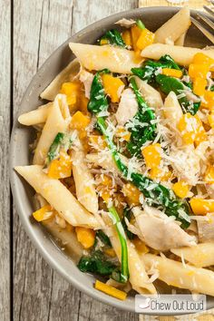 This One-Pan Butternut Squash Penne captures the flavors of fall, all in one skillet. Healthy, light, satisfying weeknight dinner.