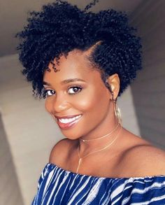 Tapered Natural Hair Cut, Natural Hair Twists, Tapered Natural Hairstyles, Curly Crochet Hair Styles, Curly Hair Styles, Short Curly Hair, Short Hair Cuts, Cabello Afro Natural, Afro Textured Hair