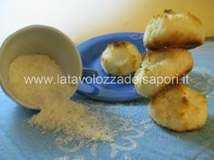 Meringhette al Cocco  http://www.latavolozzadeisapori.it/ricette/meringhette-al-cocco