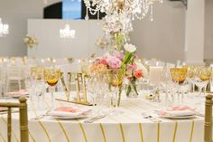 Elegant Day Wedding at Molenvliet by ZaraZoo Photography: Kiki & Duma Tablecloths, Gold Wedding, Wedding Day, Wedding Stuff, Wedding Events, Weddings, Pink And Gold, Table Settings, Leipzig