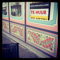 #graphic #design #shop #window #ornamental #antique #flowers #signing #lettering