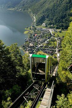 Hallstatt. Auffahrt mit der Salzbergbahn. (Salt Mines, Salzburg, Austria)