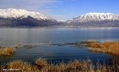 Lago e montanha
