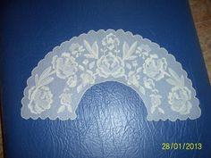 bordados en tul Needle Lace, Bobbin Lace, Embroidery Stitches, Hand Embroidery, Macrame Earrings, Darning, Chain Stitch, Diy And Crafts, Elsa