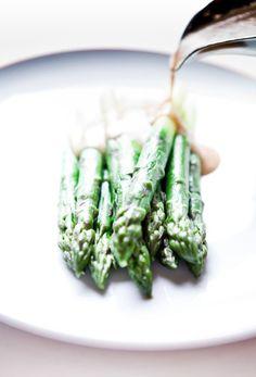 Asparagus, Vegetables, Green, Food, Studs, Essen, Vegetable Recipes, Meals, Yemek