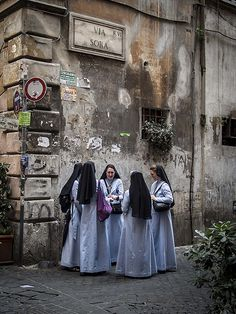 Religious Sisters of Mercy, Rome Daughters Of Charity, Sisters Of Mercy, Bride Of Christ, World Religions, Roman Catholic, Spirituality, Faith, Sora, Nuns Habits
